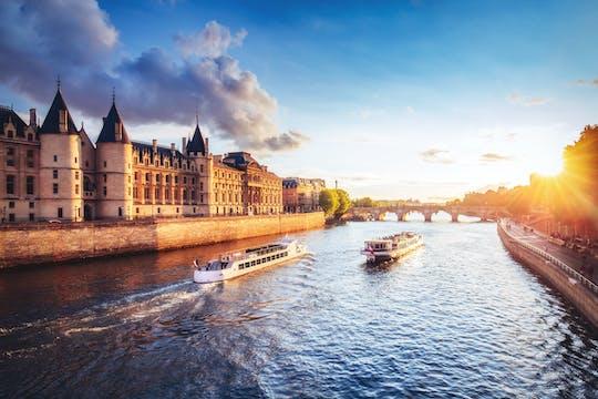 Pass Batobus | croisière à arrêts multiples sur la Seine