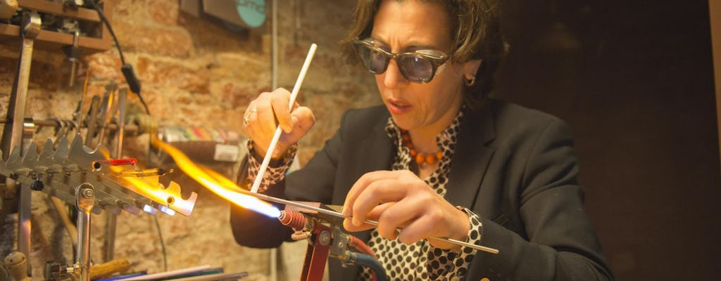 Workshop on lampworking and hot glass bead making