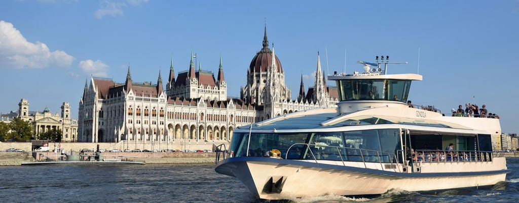 Budapest 70-minute daytime sightseeing cruise Duna Bella