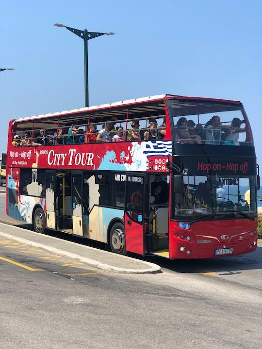 Wycieczka czerwonym autobusem Hop-On Hop-Off w Rodos