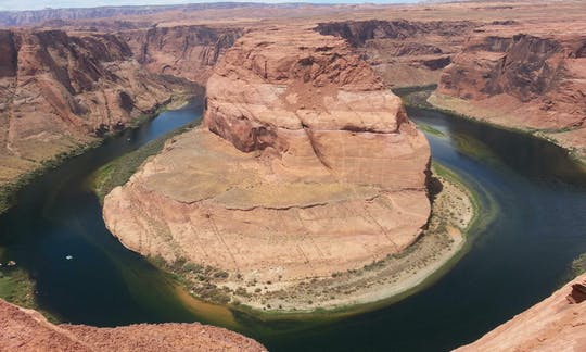 Antelope Canyon, Lake Powell and Horseshoe Bend 2 day private tour