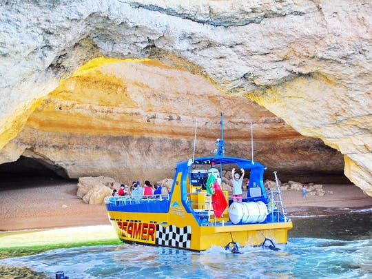 Albufeira Caves & Dolphins Boat Tour