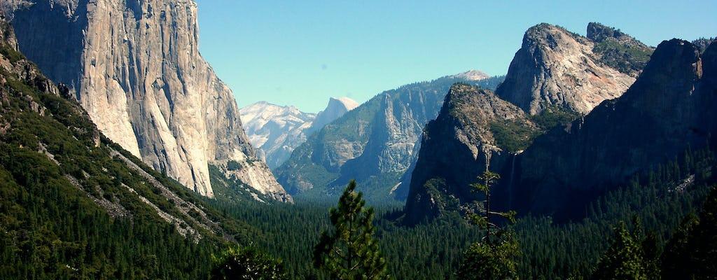 Noche en el hotel de Yosemite: Cedar Lodge