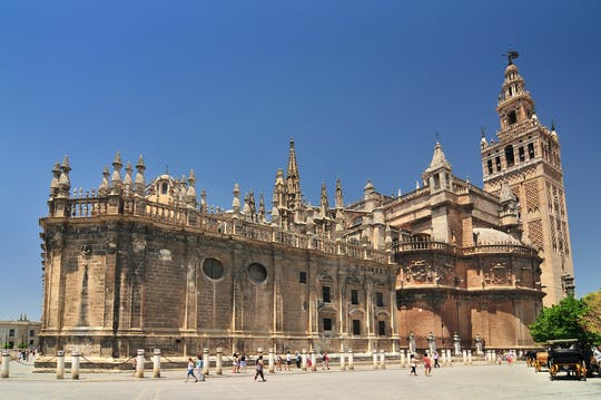 Zwiedzanie katedry w Sewilli i wejście na Giraldę