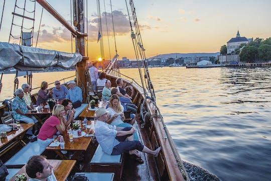 Fjord boottocht in de avond met garnalenbuffet