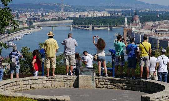 Ideal 4-Hour Guided Tour of Budapest with Optional Danube Cruise