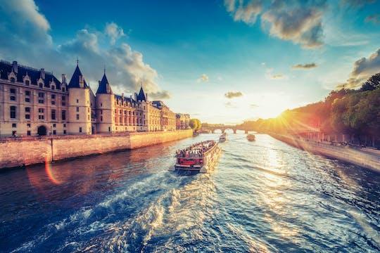 Romantic dinner on the Seine river