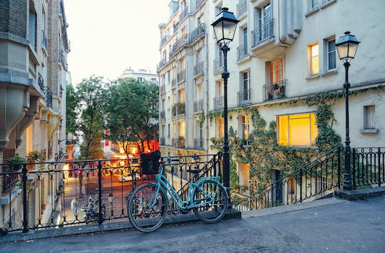 Bike tour by night in Paris