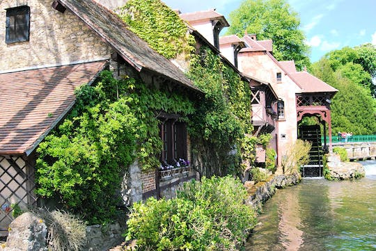 Small-group excursion to Giverny and Versailles from Paris