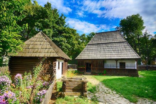 Visita a la ciudad de Bucarest en grupos pequeños, incluido el Museo del pueblo