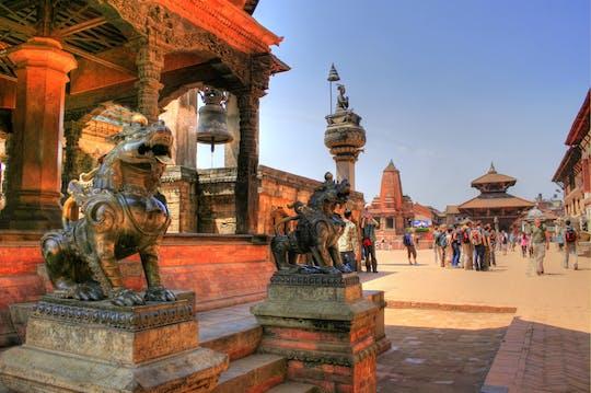 Full-day tour of Bhaktapur Durbar Square, Pashupatinath and Bouddhanath