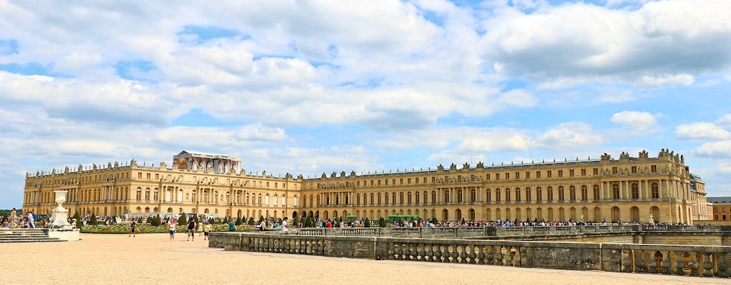 Day trip to Versailles including skip-the-line audioguided tour, transportation and Queen's Hamlet