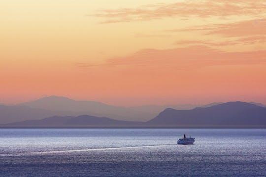 Bootsfahrt bei Sonnenuntergang