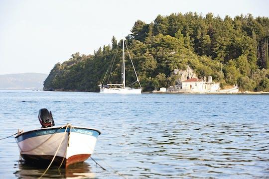 Schöne Bootstour von Insel zu Insel