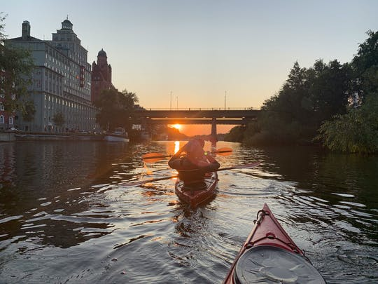 Guided sunset kayak eco-tour in Stockholm-City