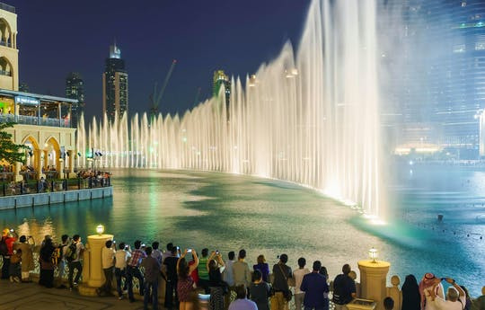 Descubra Dubai à noite