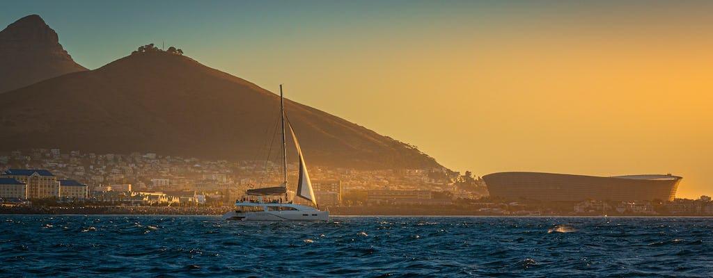Crucero en velero al atardecer en Ciudad del Cabo