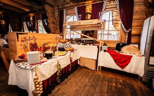 Spettacolo folcloristico tradizionale polacco con cena vicino al lago Kryspinow