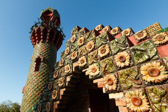 El Capricho of Gaudí and Comillas guided tour