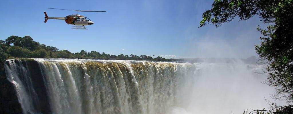 Полет на вертолете над водопадом Виктория