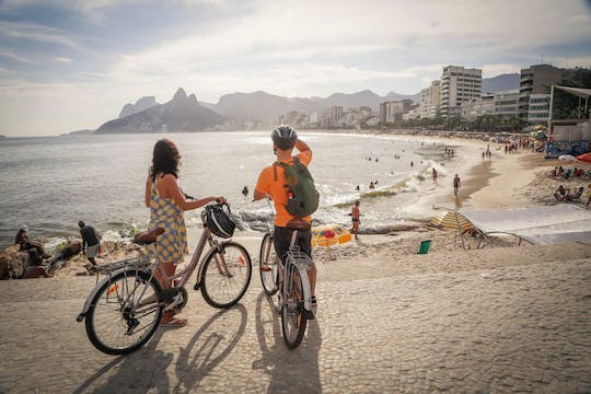Bike tour in Rio with beaches, lagoon and gardens