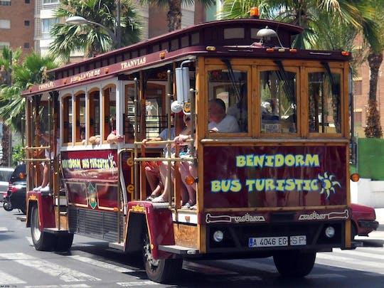 Bus touristique à Benidorm