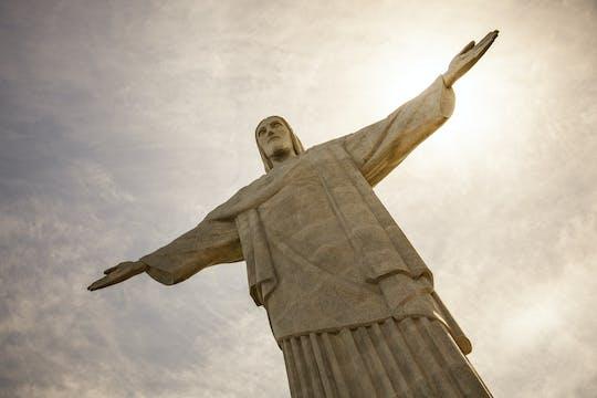 Cruzeiro na Baía de Guanabara com almoço e Cristo Redentor de van