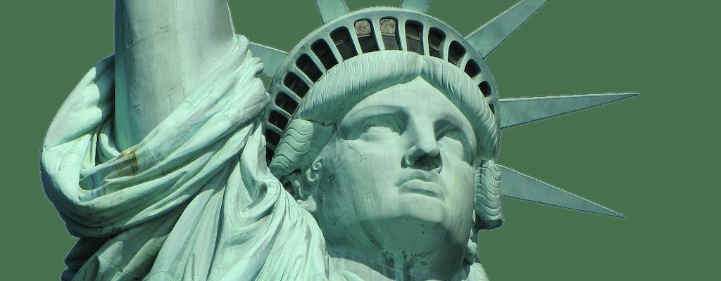 Statua Wolności i Ellis Island przed promem z priorytetowym zarezerwowanym dostępem promowym