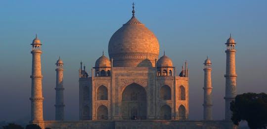 Morning visit to Taj Mahal