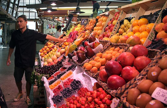 Barcelona markets food tour with a professional chef