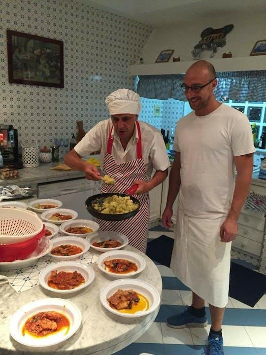 Aula de culinária siciliana e excursão ao mercado de Palermo