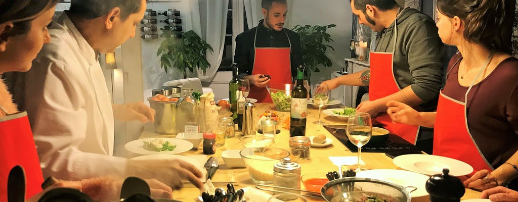 Cours de cuisine méditerranéenne, dégustation de tapas et dîner dans un salon privé