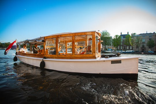 Prosecco and wine cruise on the Amsterdam canals