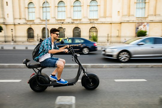 Visite guidée de Paris en scooter électrique