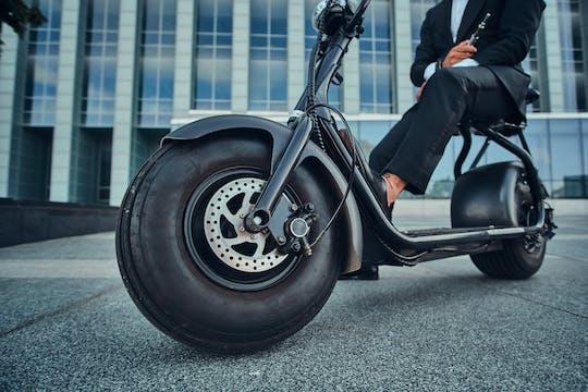 Visite guidée nocturne de Paris en scooter électrique