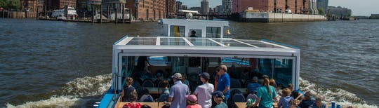 Port of Hamburg 2-hour cruise with live commentary by Rainer Abicht Elbreederei
