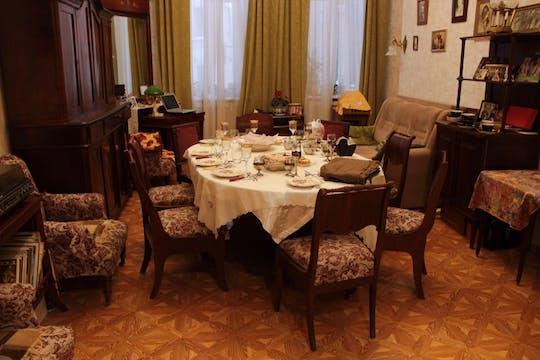 Corso di cucina con borscht e torta di cavoli e cena