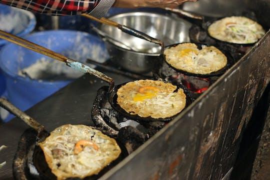 Saigon food tour by night