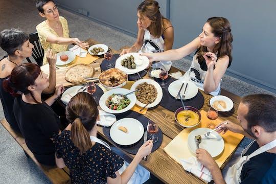 Clase de cocina mezze griega y cena con vista a la Acrópolis