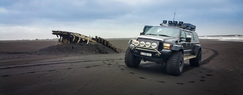 Private safari to Eyjafjallajökull and black beach