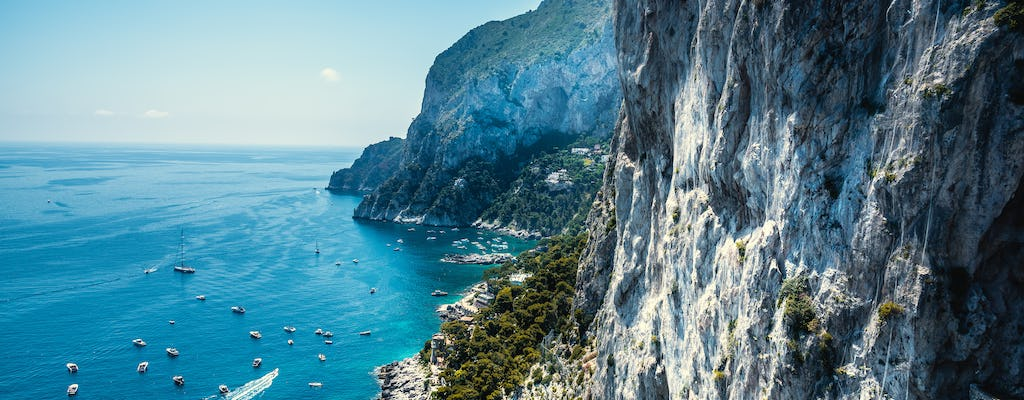 Two-hour typical boat tour of Capri