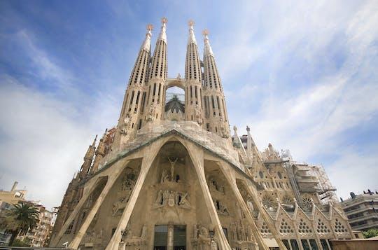 Visita guiada a la Sagrada Familia con acceso a la torre de la fachada de la Pasión