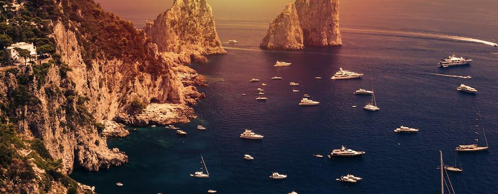 Tour in barca di due ore al tramonto intorno a Capri