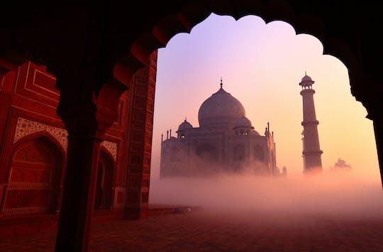 Taj Mahal and Agra Fort: sunrise tour from Delhi