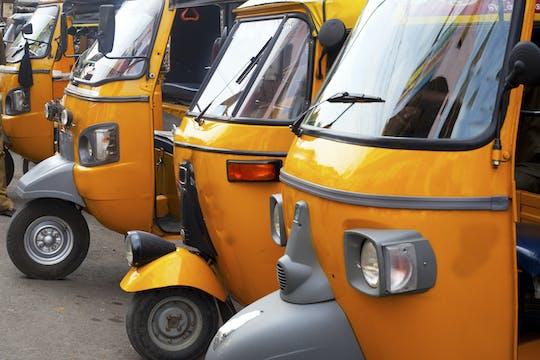 Eine aufregende Rikscha- oder Tuk-Tuk-Fahrt durch Old Delhi