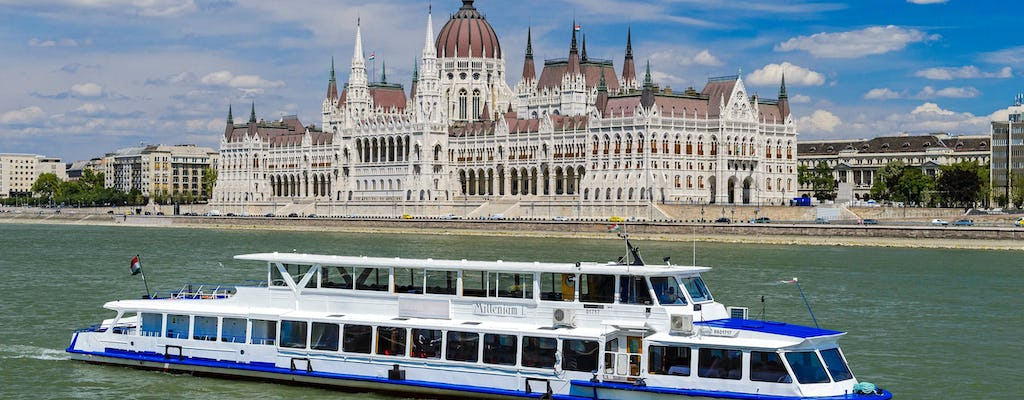 2-hour Danube river cruise with Pálinka experience