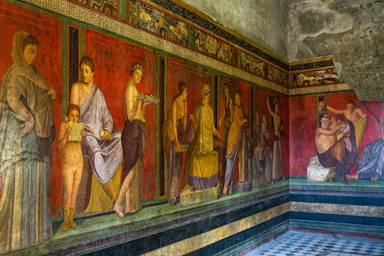 Full-day private tour of Pompeii, Vesuvius and Sorrento from Naples
