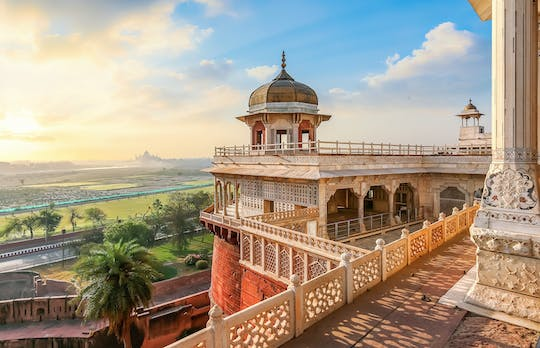 Memorable rail trip for a spectacular two-day tour of Agra