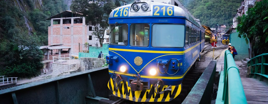 Очаровательная поездки на поезде из Дели в Агру и далее в Джайпур
