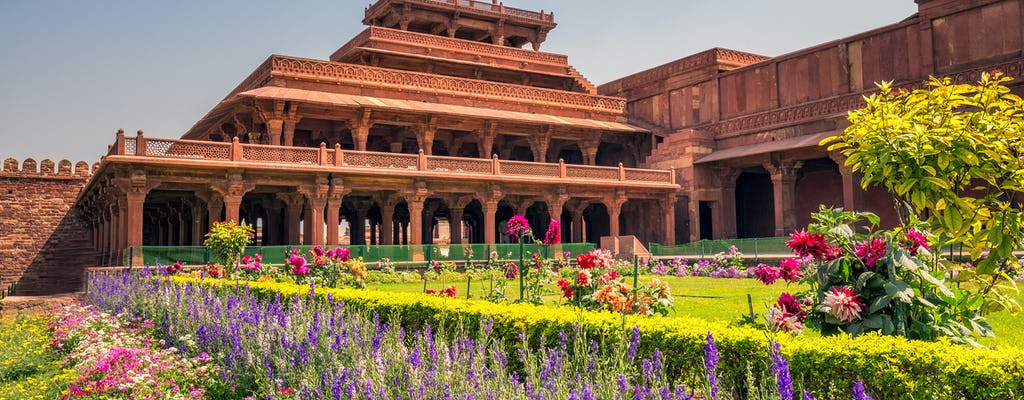 An enchanting two-day road trip from Delhi to Agra